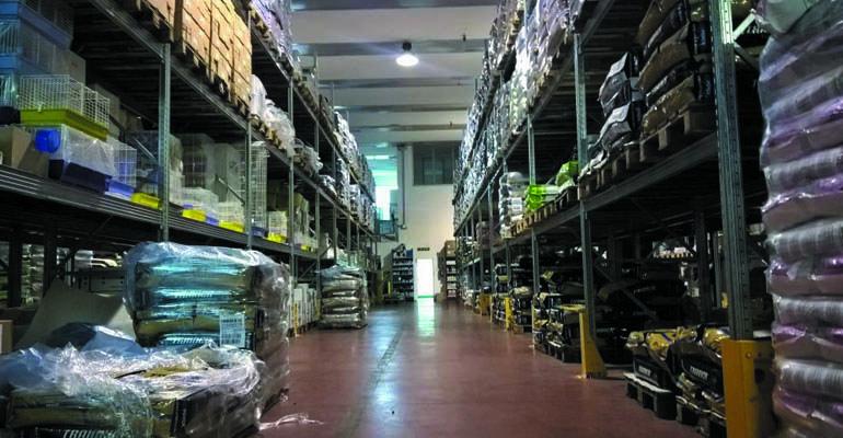 scaffalatura magazzino