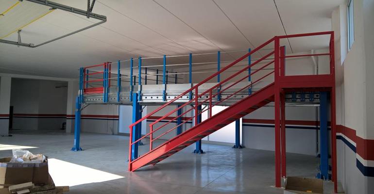 Magazzino Termoidraulico scaffalatura industriale, arredo negozio, scaffalatura industriale ascoli piceno Marche Lazio